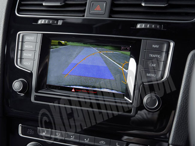 VW Golf Mark VII 7 Multimedia Rear & Front Camera Interface with Dynamic Parking Guidelines